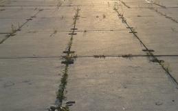 Płyty betonowe na drogę – niezawodne i trwałe